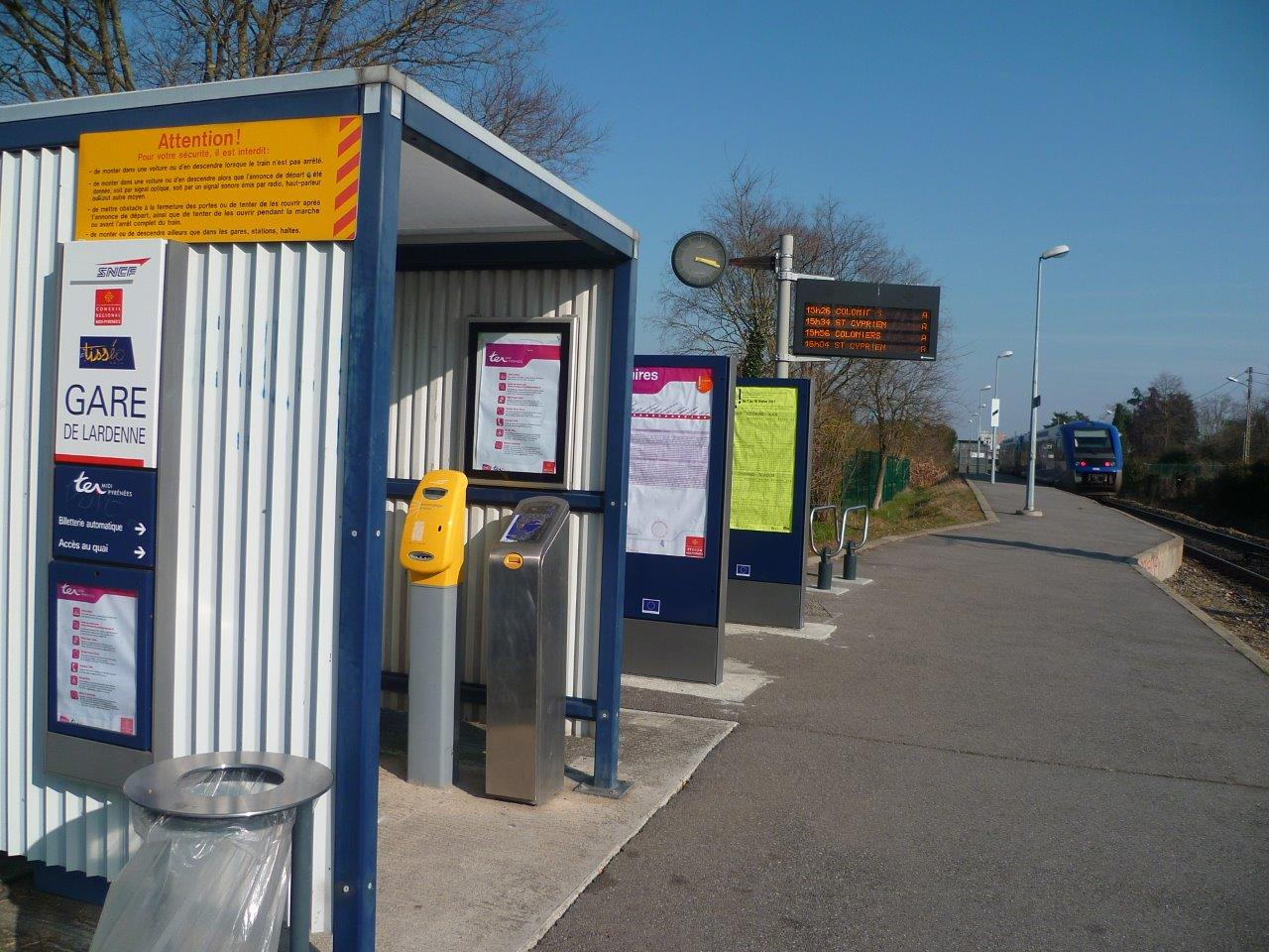 gare-de-lardenne-train-station