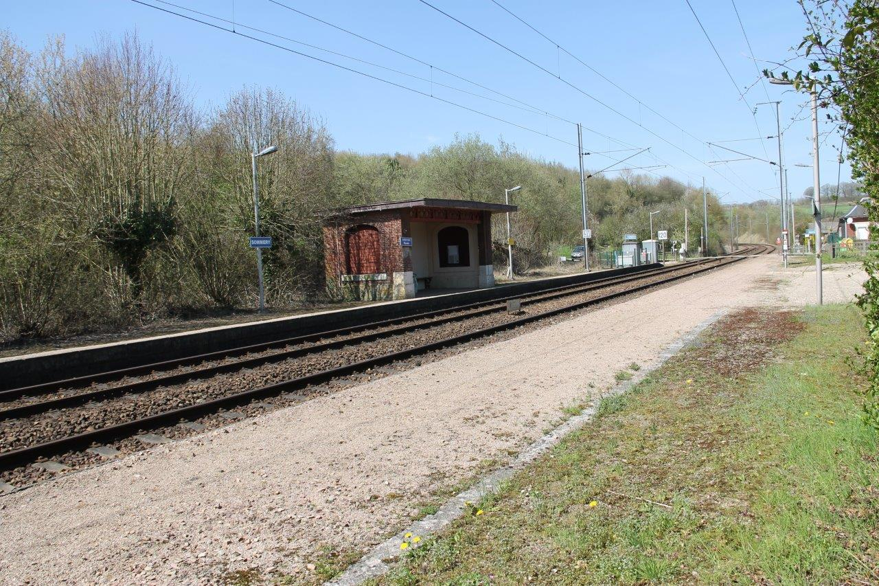 gare-de-sommery-train-station