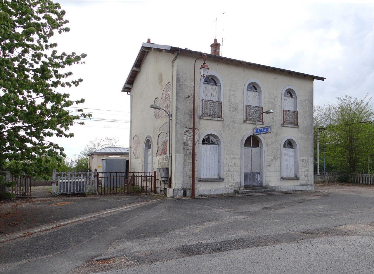 gare-de-theillay-train-station