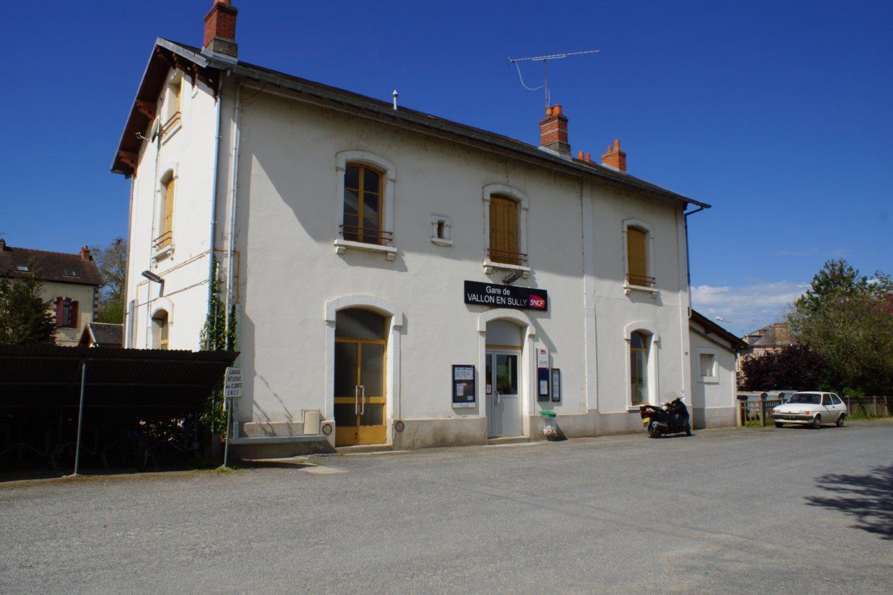 gare-de-vallon-en-sully-train-station