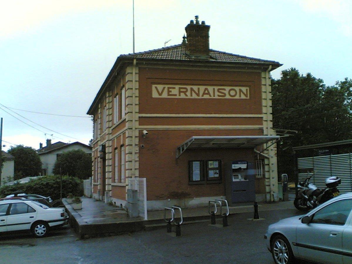 gare-de-vernaison-train-station
