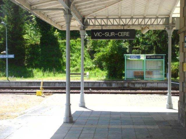 gare-de-vic-sur-cere-train-station