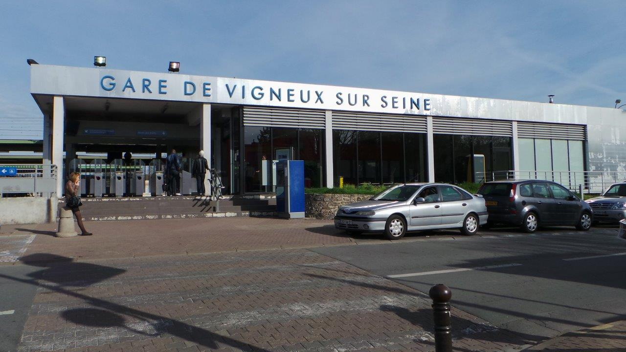 gare-de-vigneux-sur-seine-train-station