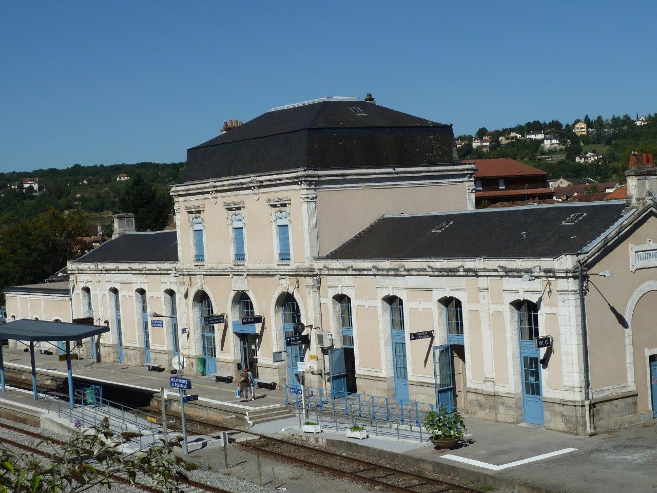 gare-de-villefranche-de-rouergue-train-station