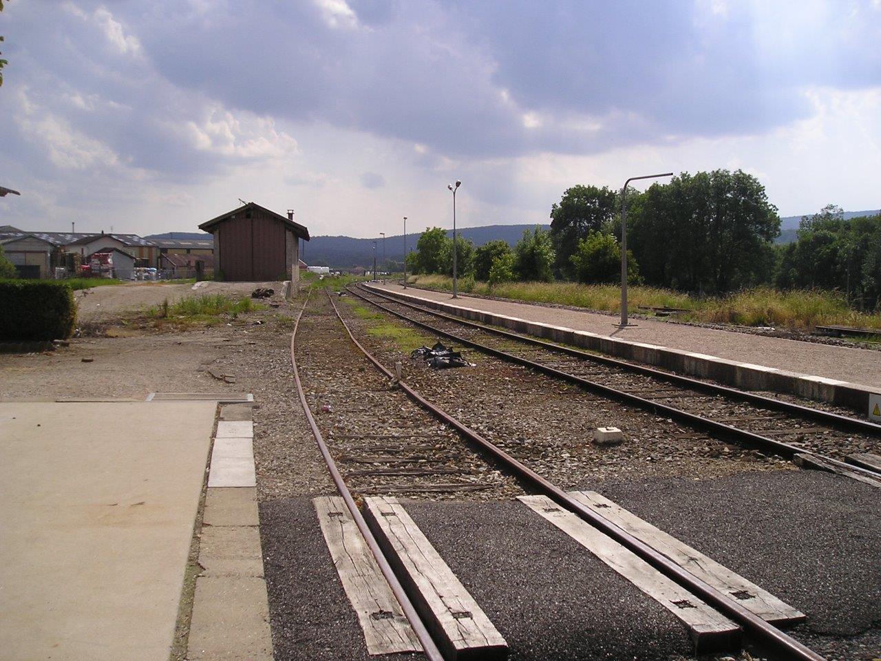 gare-de-villereversure-train-station