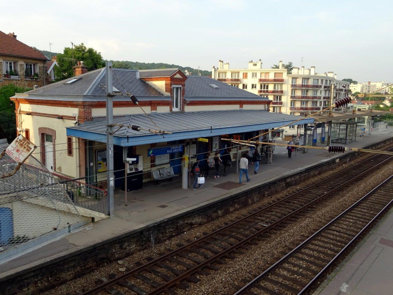 gare-de-viroflay-rive-droite-train-station