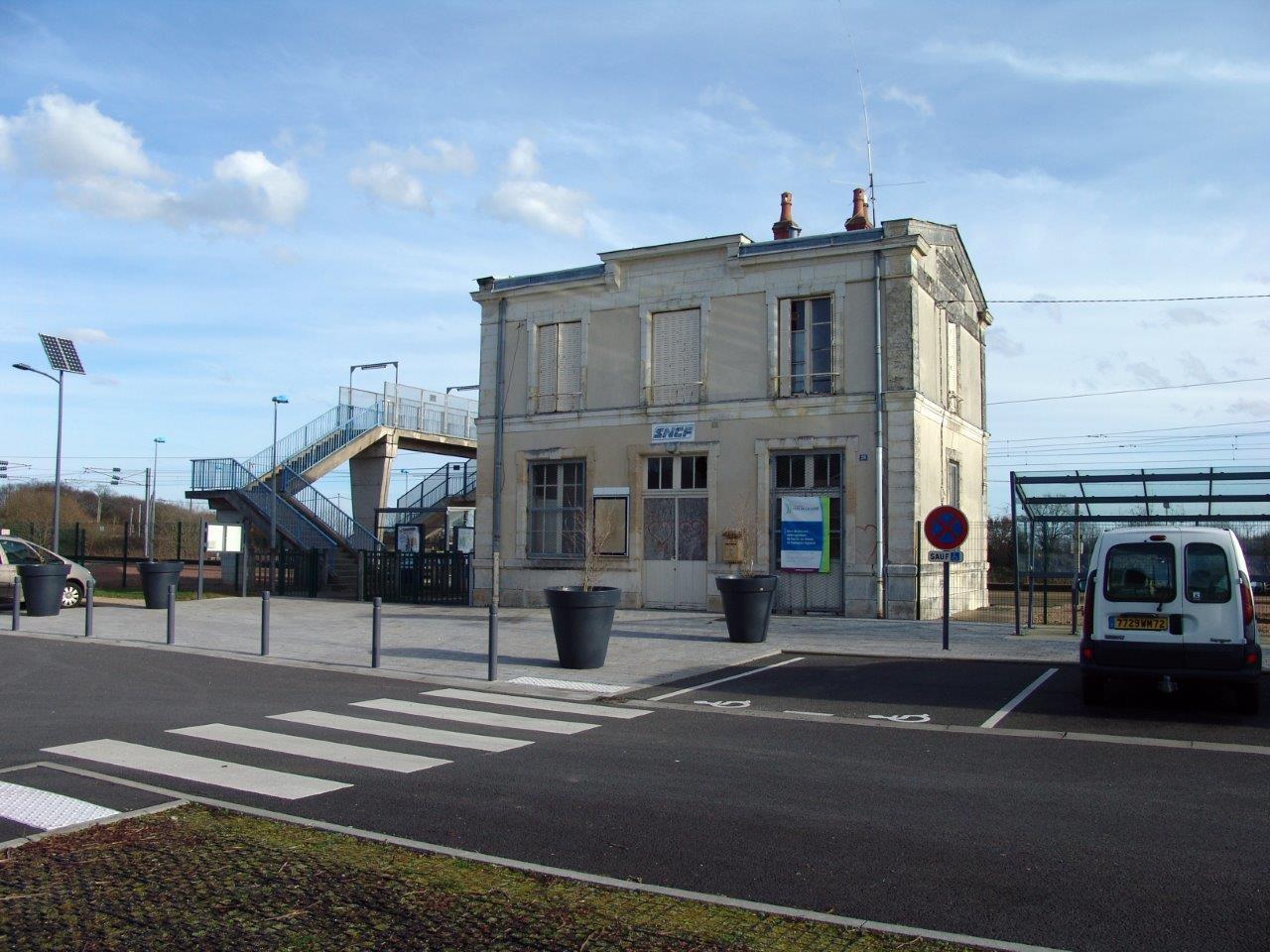 gare-de-voivres-train-station