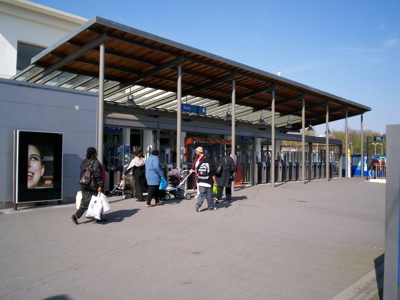 gare-du-vert-galant-train-station