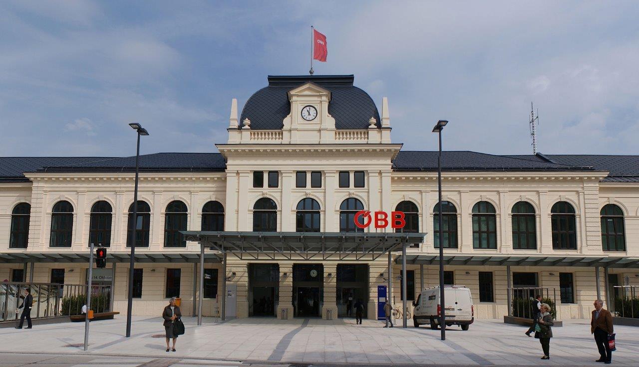 bahnhof-st-polten-train-station